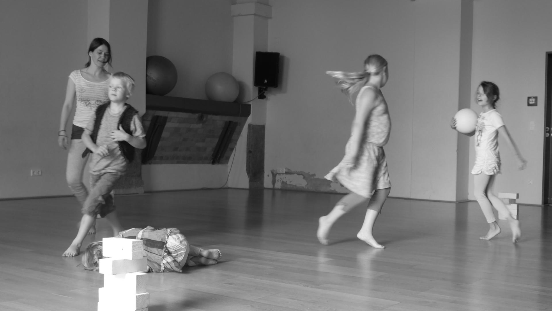 laboratorium haus 1 Lydia Müller – Lehrtätigkeit – Kreativer Tanzraum